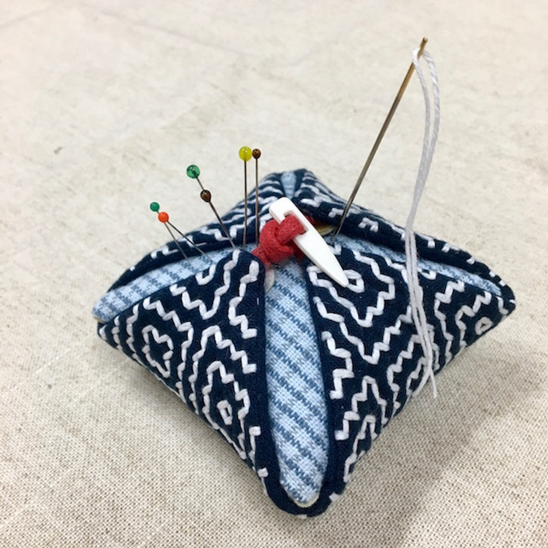 The Persimmon Flower Pincushion Hitomezashi (One Stitch) Kit PPK-01
