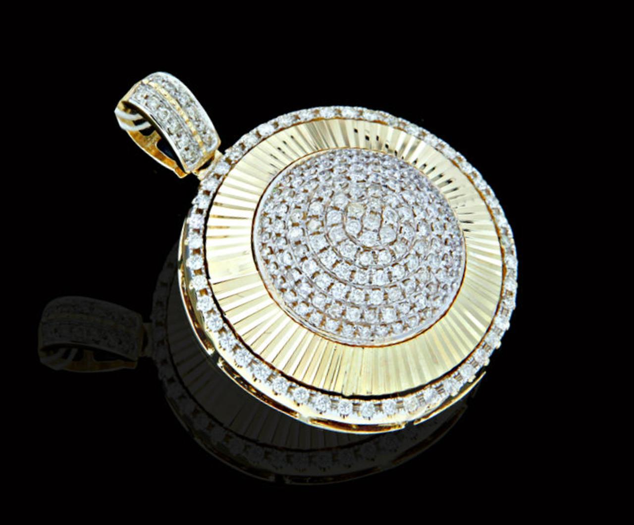 10k gold 160ct diamonds round pendant king johnny johnnys 10k gold 160ct diamonds round pendant aloadofball Choice Image