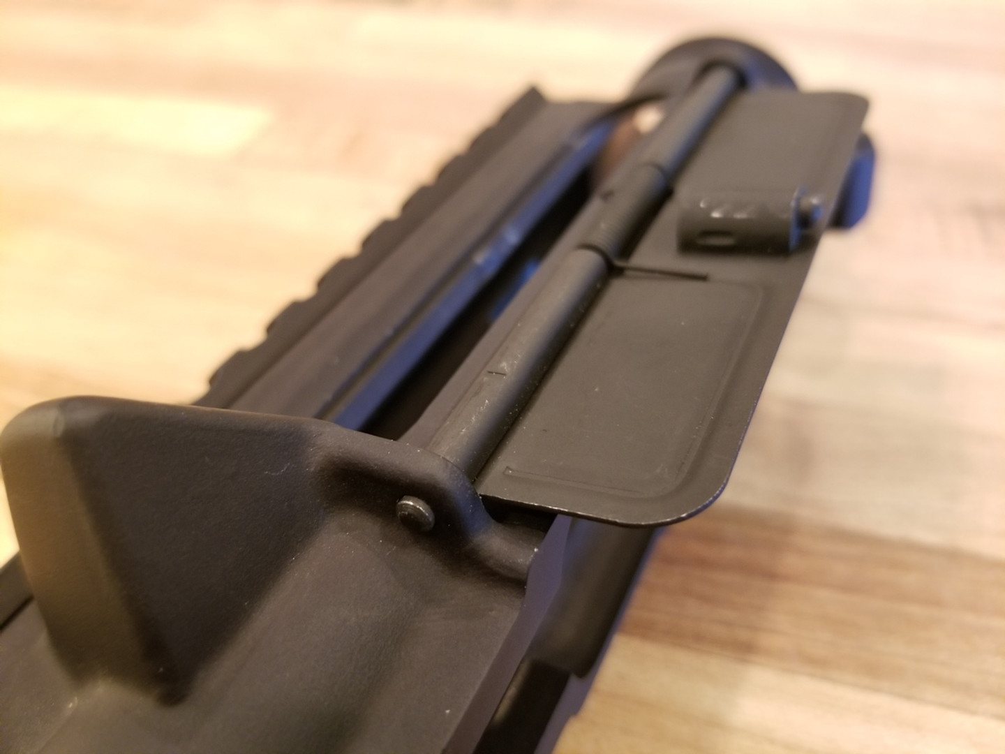 AR-15 spring loaded dust cover