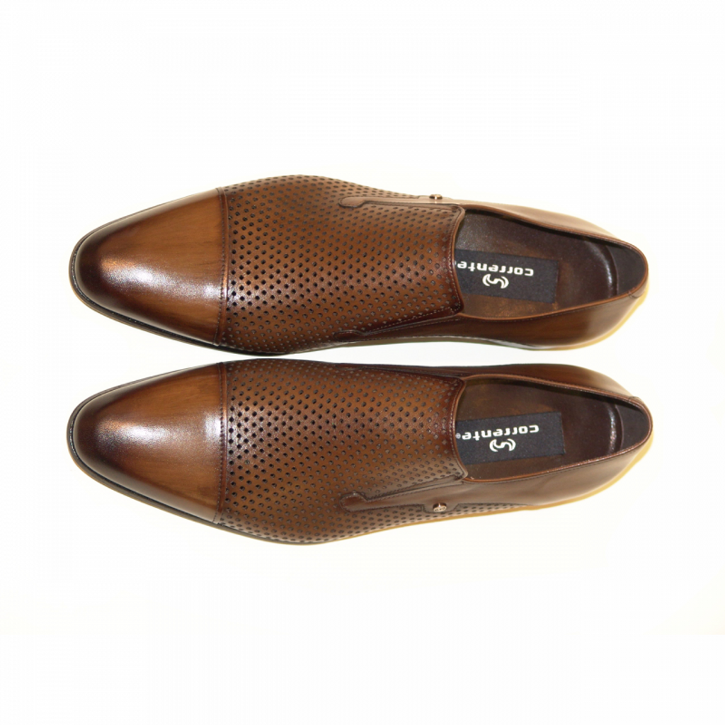 Corrente 4164 Perforated cap toe loafer Brown