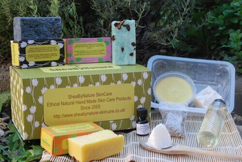 Natural Shea Butter Soap Making Kit: Learn How to Make Natural Handmade Soap from Scratch with Natural Oils. Suitable for Absolute Beginners