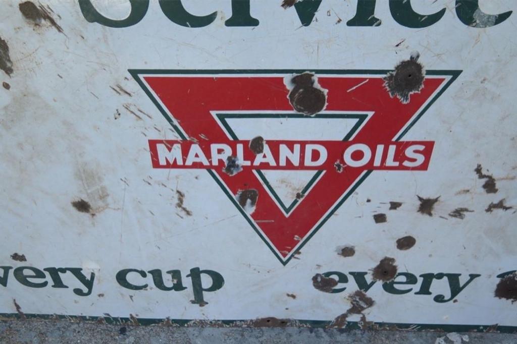 SCARCE pre 1929 AMERICAN MARLAND OILS / GAS STATION Heavy ENAMEL SIGN.