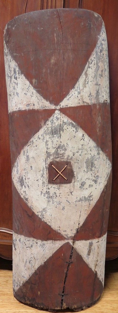 Huge Vintage 100% genuine PNG tribal wooden war shield, museum quality #3