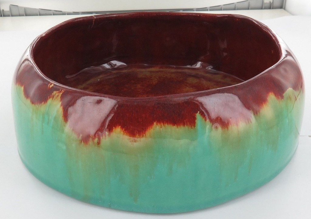 1938 HARVEY SCHOOL POTTERY. VERY LARGE FLOAT BOWL. DETAILS TO BASE.