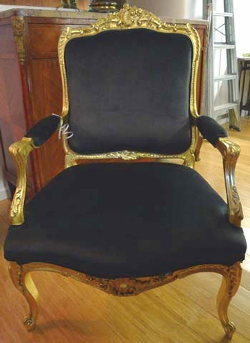 PAIR OF 19TH C GILT WALNUT CHAIRS