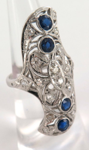 LARGE VISUALLY IMPRESSIVE 10CT WHITE GOLD, DIAMOND, SAPPHIRE RING VAL $6200