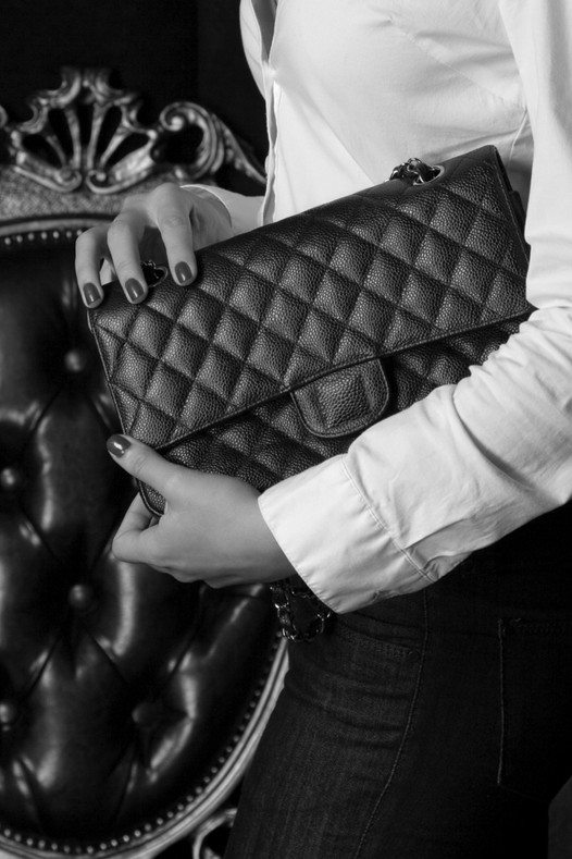 Your Guide to Buying a Vintage Handbag