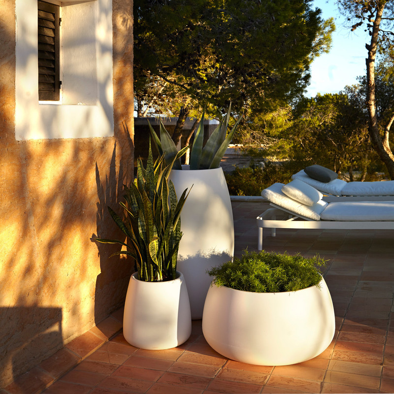 """""""The Sahara collection of plant pots are the perfect accessory that go with GANDIABLASCO collections, be it in the porch, on the terrace or by the poolside, as well as in other indoor and outdoor spaces."""" – Pablo Gironés –"""