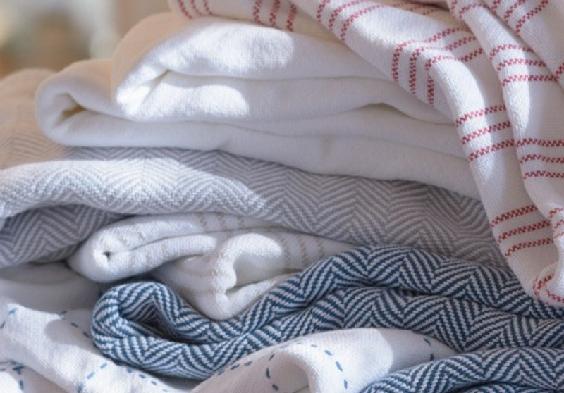 Cotton, Linen, and Wool: Which Blanket is Right for You?