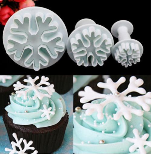Snowflake Plunger Set