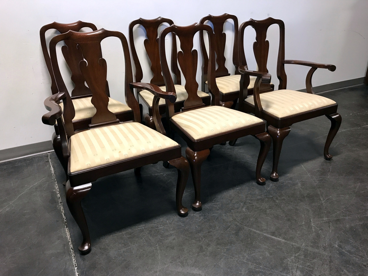 Henkel harris mahogany queen anne dining chairs set of 6 boyds henkel harris mahogany queen anne dining chairs set of 6 dzzzfo