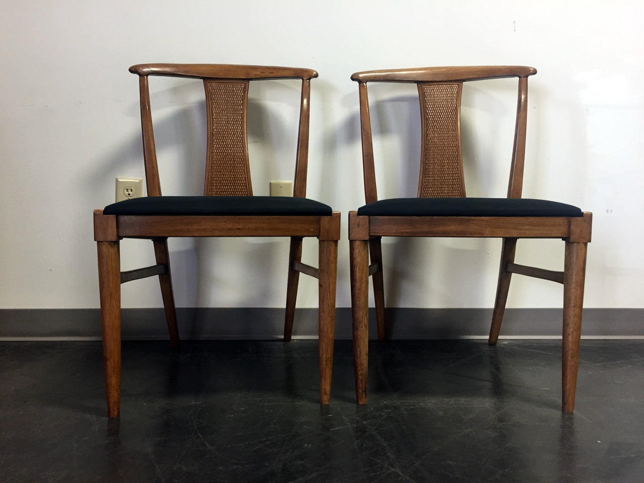 SOLD OUT   THOMASVILLE Tamerlane Oriental Asian Dining Accent Side Chairs  MCM Mid Century