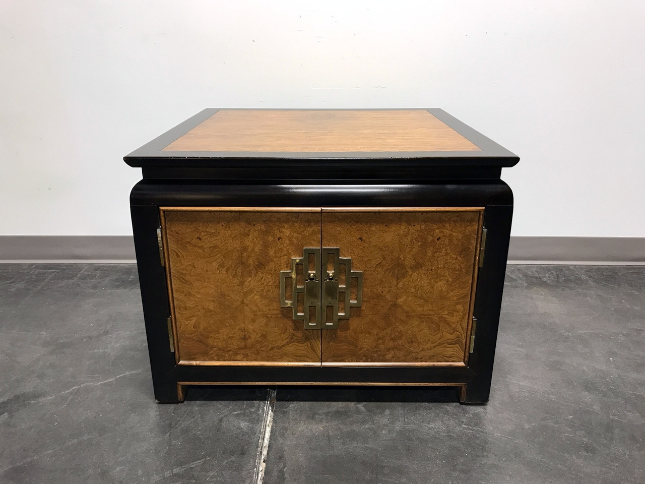 Century Chin Hua By Raymond K Sobota Burl Wood Lacquer Square End Table  Cabinet