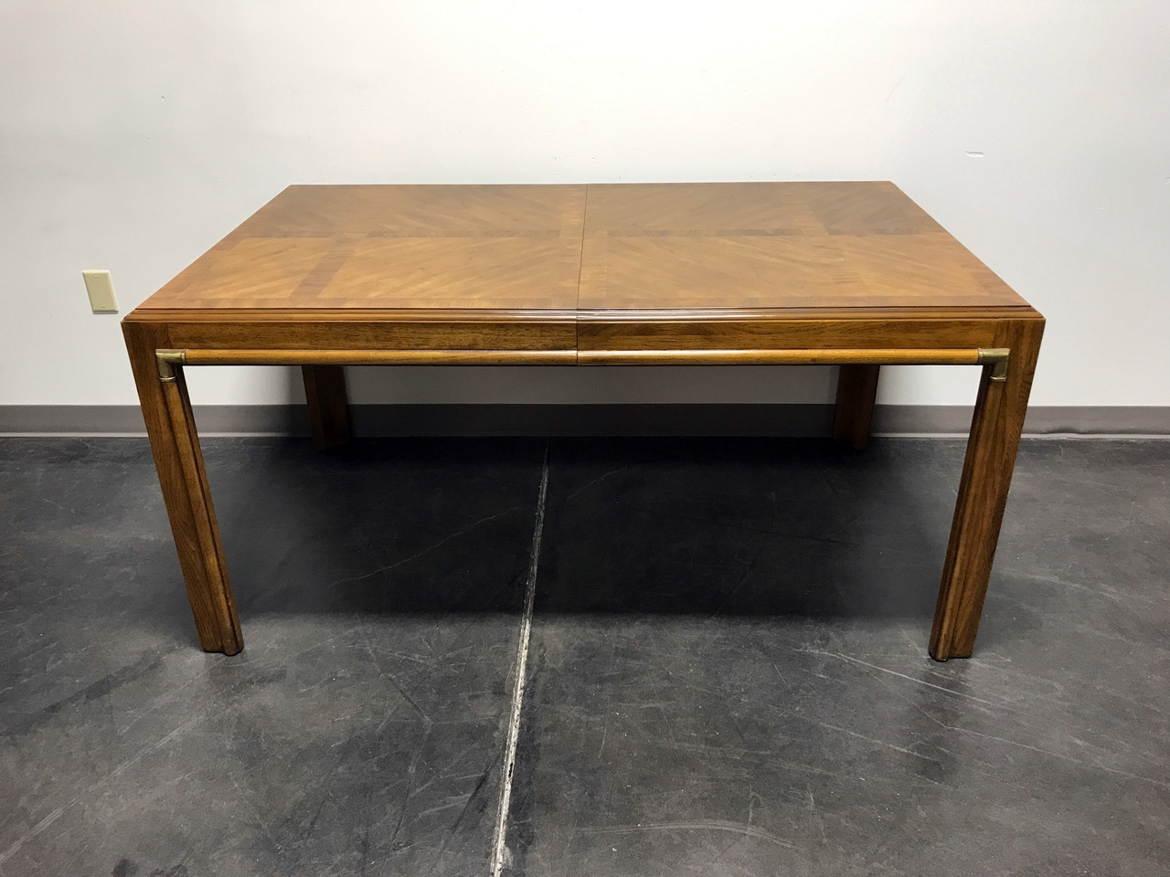 SOLD OUT DREXEL HERITAGE Accolade Campaign Style Dining Table