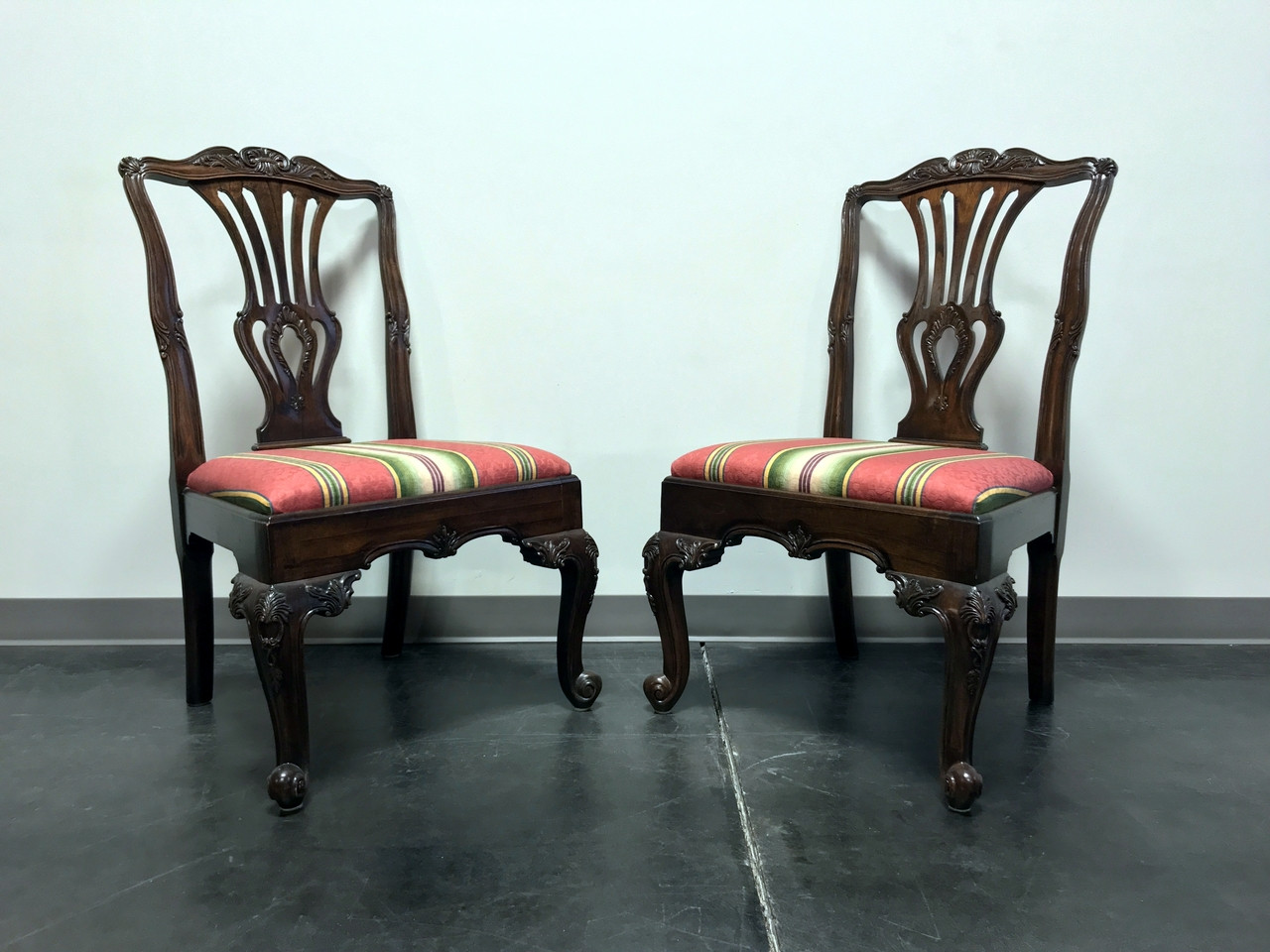 HEKMAN Marsala Oak French Country Dining Side Chairs Pair 2