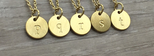 Lowercase Necklace from p to t in Gold
