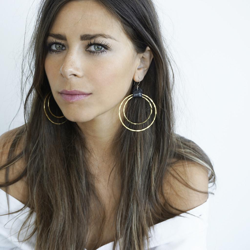 convey earrings