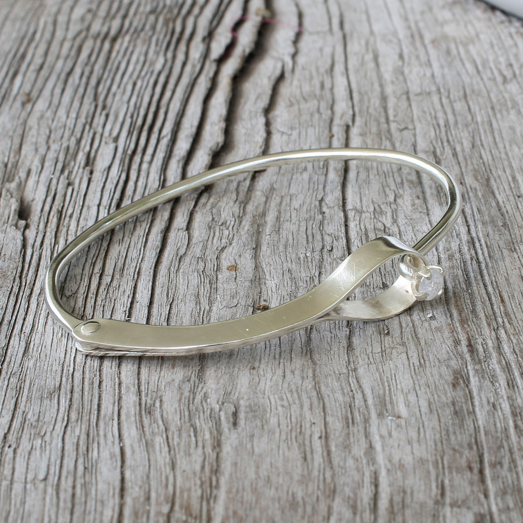 Simple silver cuff with cubic zirconia