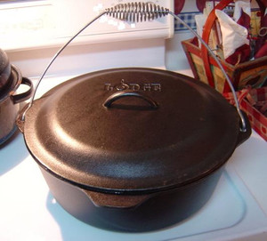9 QUART DUTCH OVEN