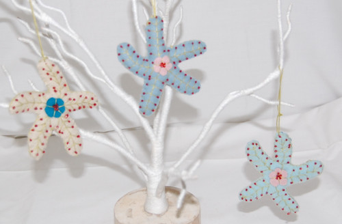 DB701 -Felt Beaded Starfish