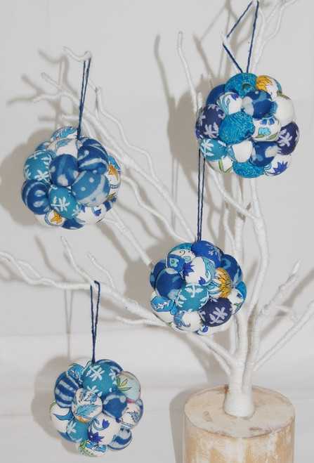 Ball-Bunch-Christmas-Ornament-203014