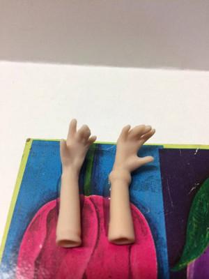 Dollhouse Miniature – BRACELET 2 - Porcelain Doll Kit Hand & Arms Only