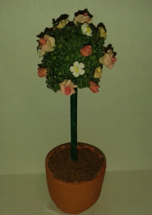 2167 - Topiary Tree - Mixed Flowers