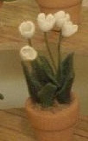 Dollhouse Miniature - 1613-1 - Flower Pot Kit:  Tulip - White