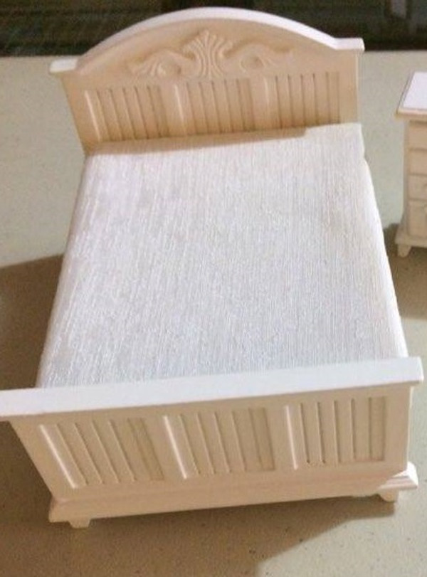 Dollhouse Miniature - 141912 - White Double Bed
