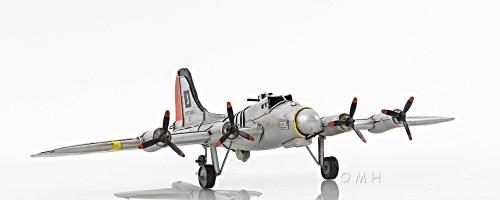 B-17 Flying Bomber Metal Desk Model WWII Airplane