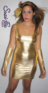Fingerless Gloves/Arm Guards shown in Gold Stretch Metallic Foil Coated Nylon Spandex by Suzi Fox. Give us your bicep and wrist measurements for a perfect fit! Available in any fabric on this site. Available in Fuchsia, Gold, Silver, Copper, Gunmetal, Turquoise, Royal Blue, Purple, Red, Green, Black Metallic Stretch metallic foil coated Spandex. Made in the U.S.A.