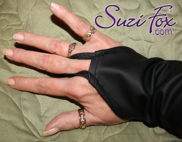 Optional finger loops