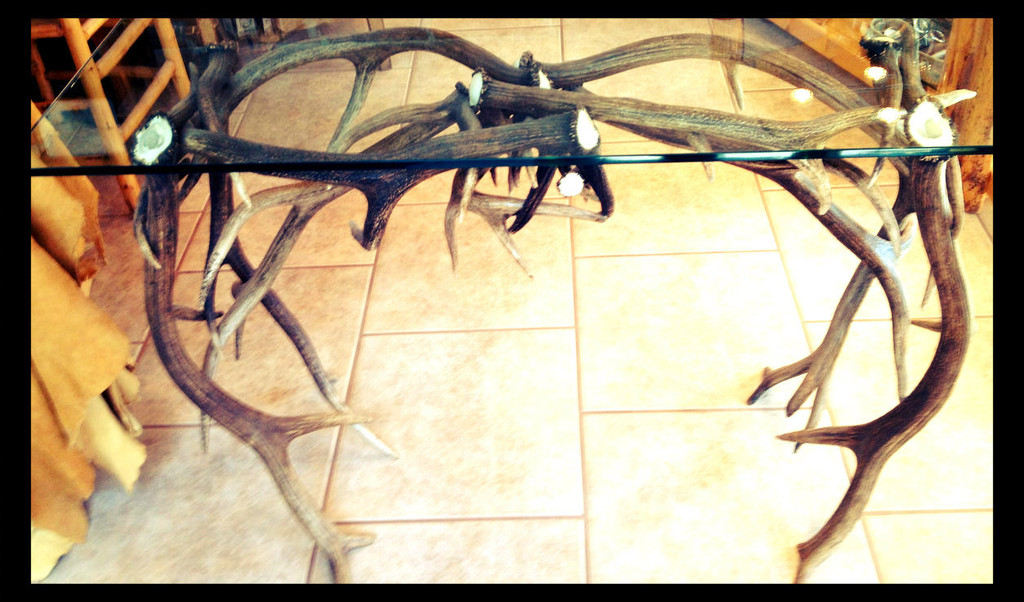 Elk Antler Sofa Table w/Glass