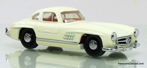 Matchbox Dinky 1:43 1955 Mercedes-Benz 300SL Gullwing