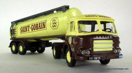 Corgi 1:50  Renault JL 20 Tanker Truck: Saint-Gobain