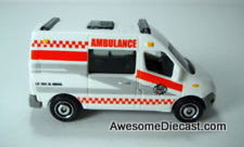 Matchbox 1:64 Renault Master Ambulance