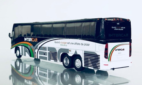 Iconic Replica 1:87 MCI J4500 Motorcoach: InterCar