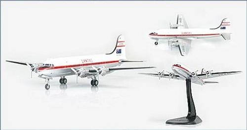 Hobby Master 1:200 Douglas DC-4: QANTAS VH-EBL: Hong Kong Trader