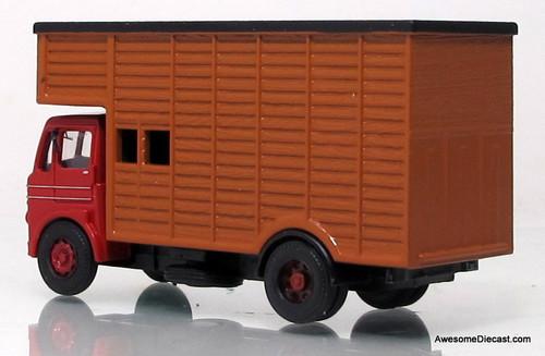 B-T Models 1:76 1955 Leyland Beaver Livestock Truck