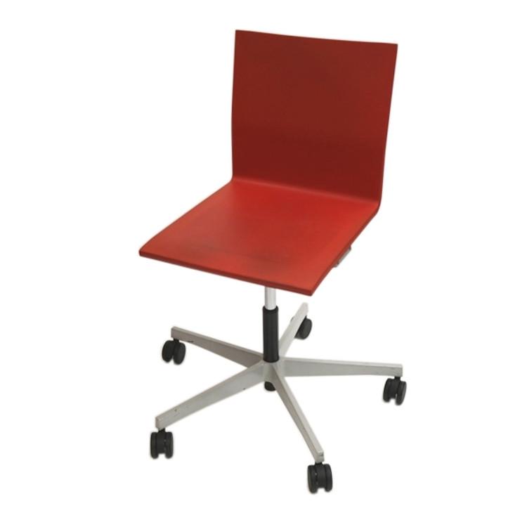 Vitra Studio Maarten Van Severen .04 Studio Chair in Red