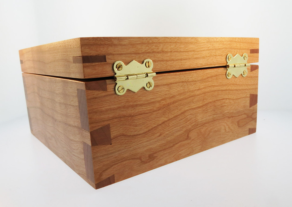 4 Paws Collar Box - Cherry - Tears