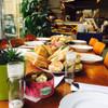 """  Assortiment Boeren Toren :    """" voor de grote honger""""  5 belegde broodjes per persoon  """