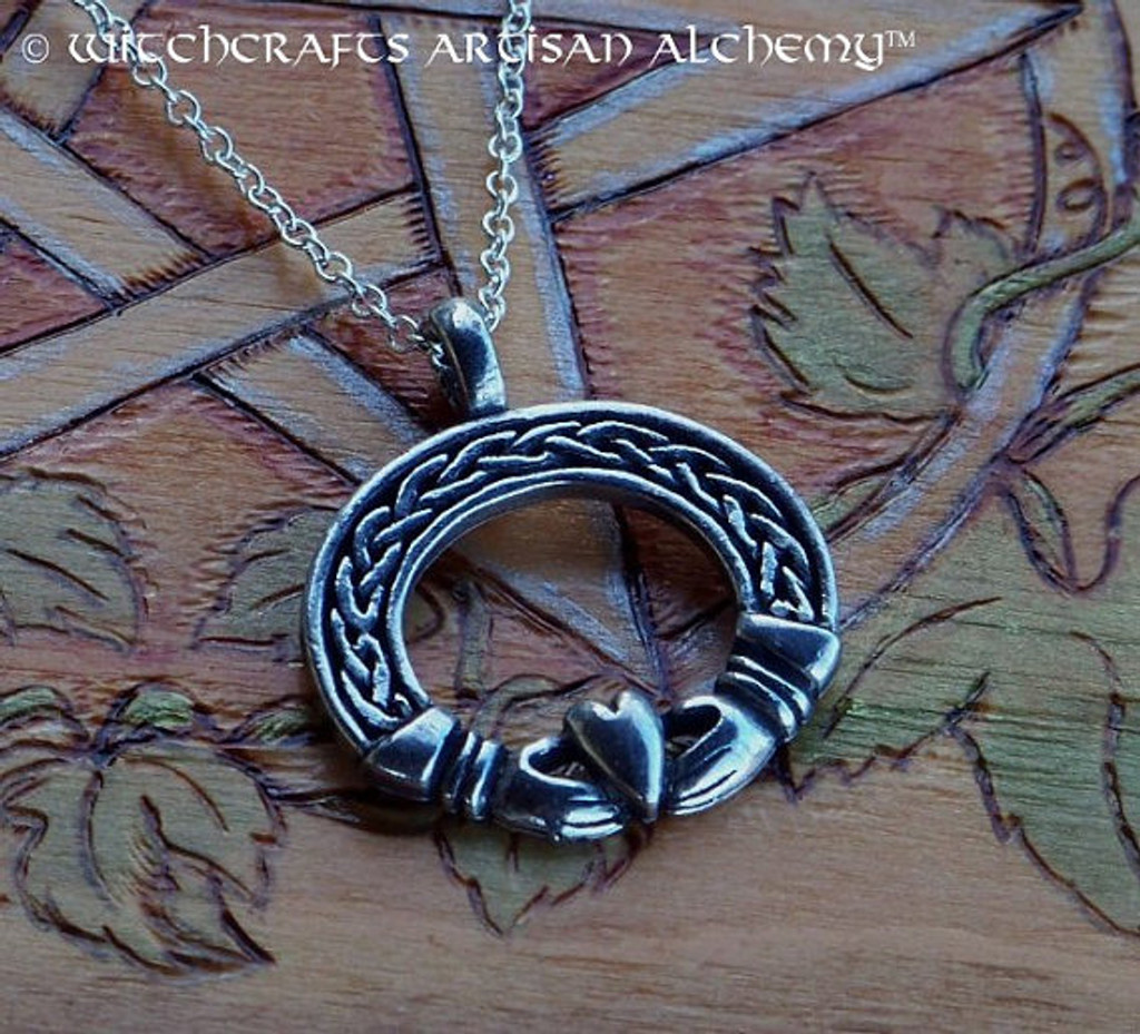 CELTIC HEART CLADDAGH Lovers Amulet Pendant Necklace