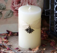 QUEEN BEE Ivory Beeswax Cylinder Pillar Candle w/ Honeybee Charm