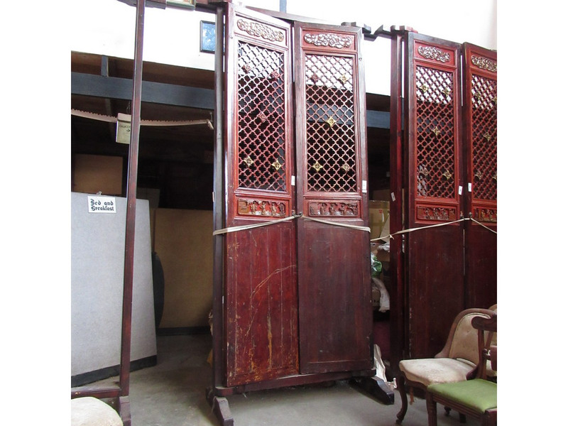 A pair of massive Chinese doors