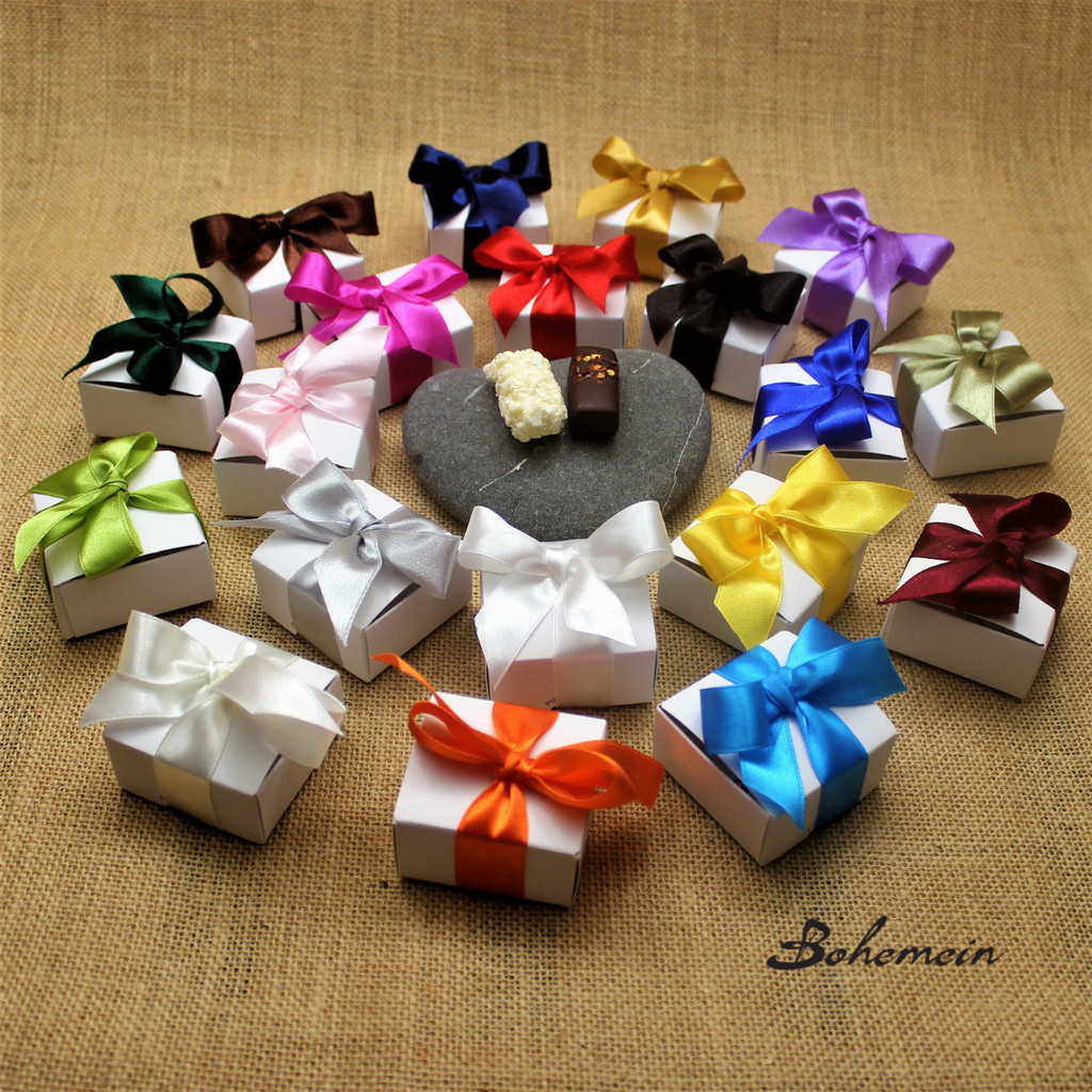 Bohemein 2 piece Mini Gift box is the perfect addition to any place setting or goody bag. Marc de Champagne Truffle for her  and Chilli Ganache for him. The Choice is yours