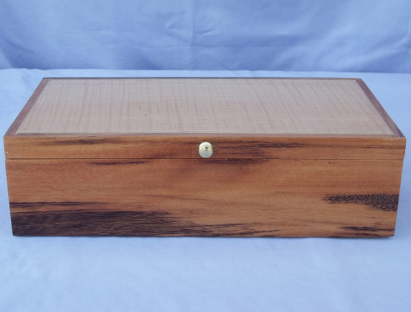 Goncalvo Alves and Curly Angrie Jewelry box