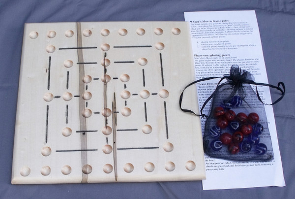 Nine Man Morris Game - Ambrosia/Wormy Maple