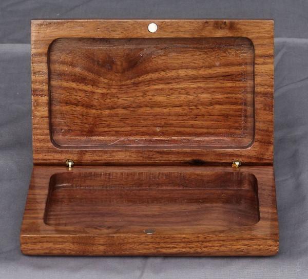 Clam shell box - Walnut