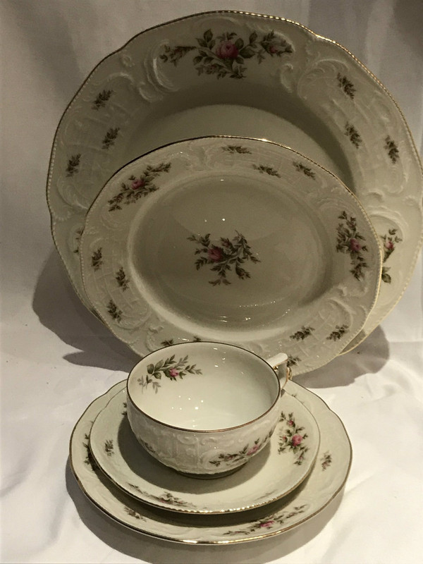 Rosenthal Ramona Ivory Rose Sanssouci Germany Dinnerware Set for 8 : dinnerware set for 8 - pezcame.com